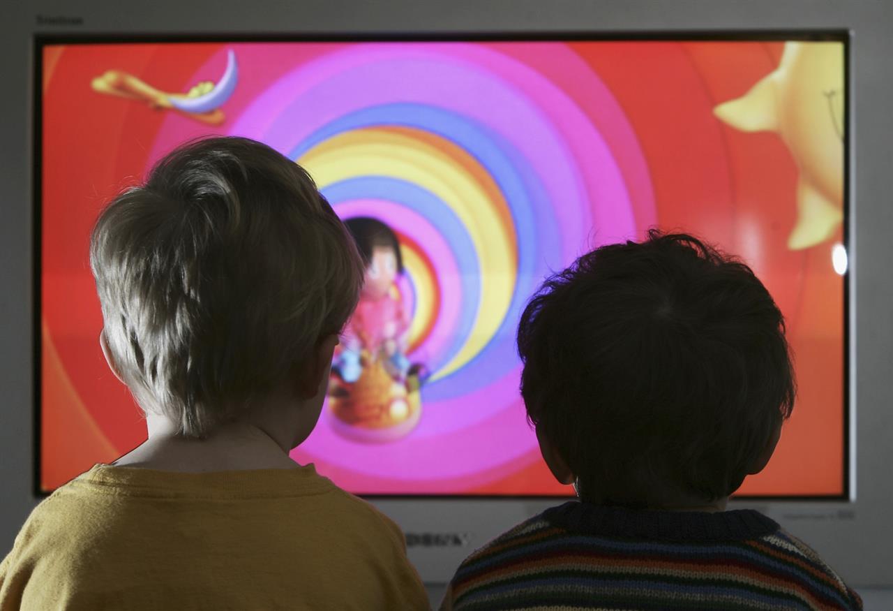 troppa televisione fa male ai bambini