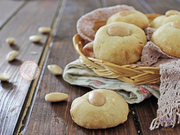 DIETA: Biscotti alle mandorle, l'idea perfetta per spezzare la fame