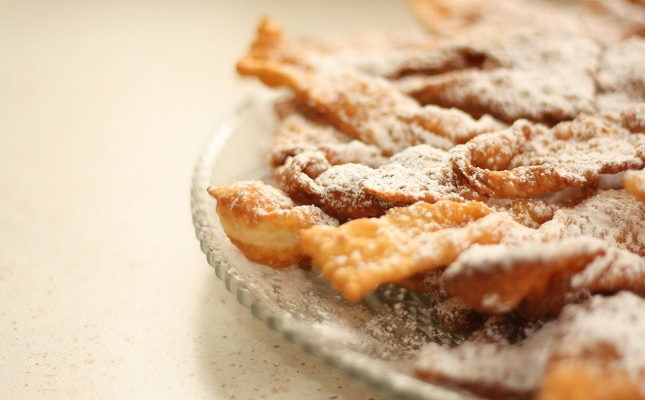 Chiacchiere napoletane al forno – Ricetta veloce e gustosa