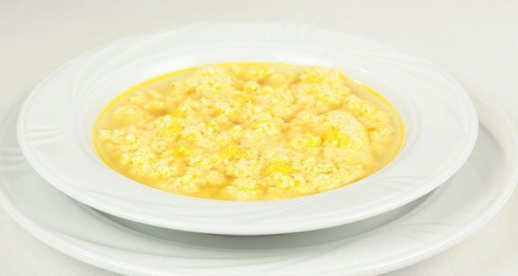 Brodetto pasquale : la ricetta della stracciatella in brodo con limone