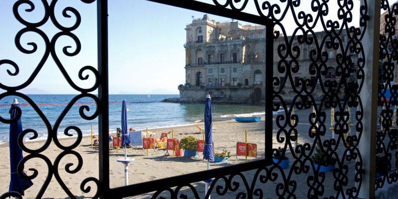 I 10 ristoranti all'aperto più famosi di Napoli e dintorni