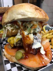 roma-derby-birretta-wine-and-food-hamburgeria