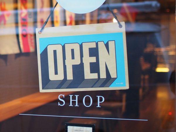 1 Maggio Napoli negozi aperti : centri commerciali e supermercati dove andare?