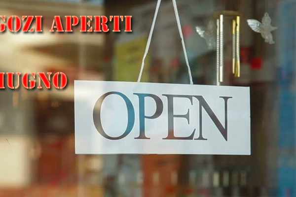 2 Giugno 2018 negozi aperti Napoli: centri commerciali e supermercati dove andare