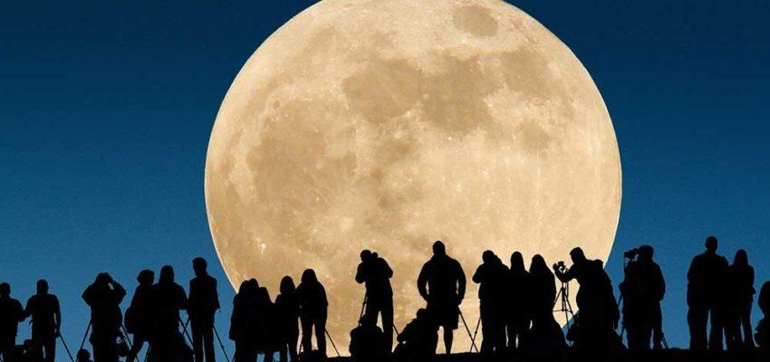Eclissi lunare 2019 Napoli, posti migliori dove vederla. Anche sul web