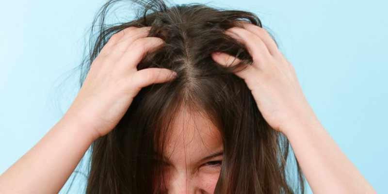 Come eliminare i pidocchi dai capelli