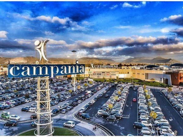 Centri commerciale e negozi aperti Pasqua e Pasquetta Napoli: 21 e 22 aprile 2019