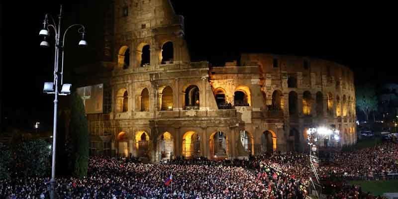 Via Crucis Colosseo 2019 come partecipare: biglietti, metro e strade chiuse