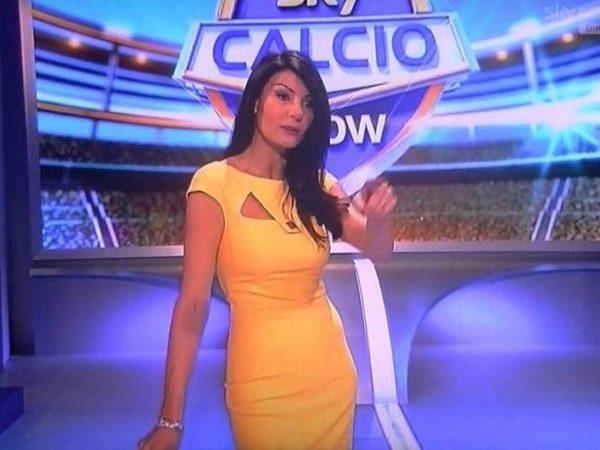 Arsenal Napoli, la gaffe di Ilaria D'Amico su Sky fa arrabbiare i tifosi del Napoli