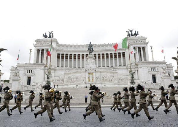 2 Giugno Roma strade chiuse: come raggiungere il centro OGGI